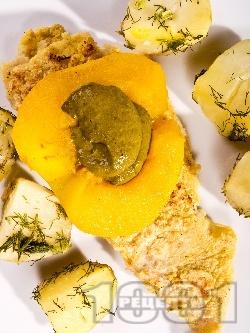 Панирана мерлуза с ябълка и пюре от киселец - снимка на рецептата